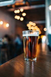 Eine gut gereinigte Schankanlage erkennt man an klarem Bier.